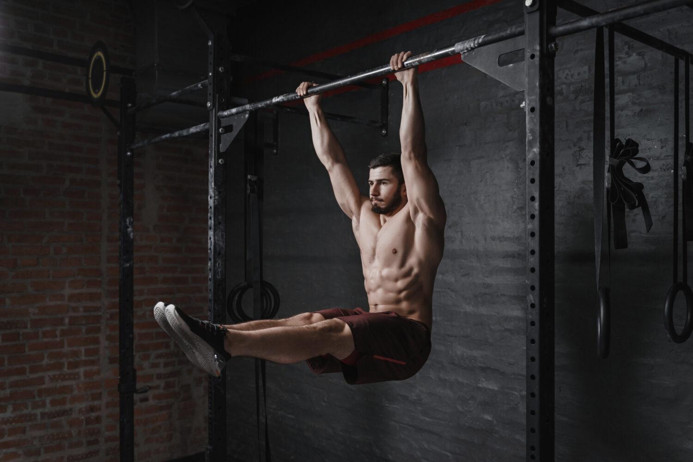 Crossfit Athlet beim Bauchmuskeltraining | Dein Personal Trainer Berlin
