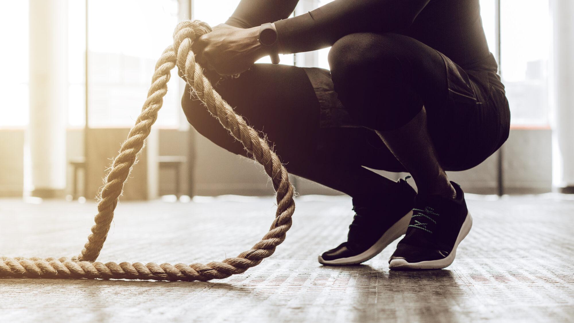Mann beim Crossfit Training | Dein Personal Trainer Berlin