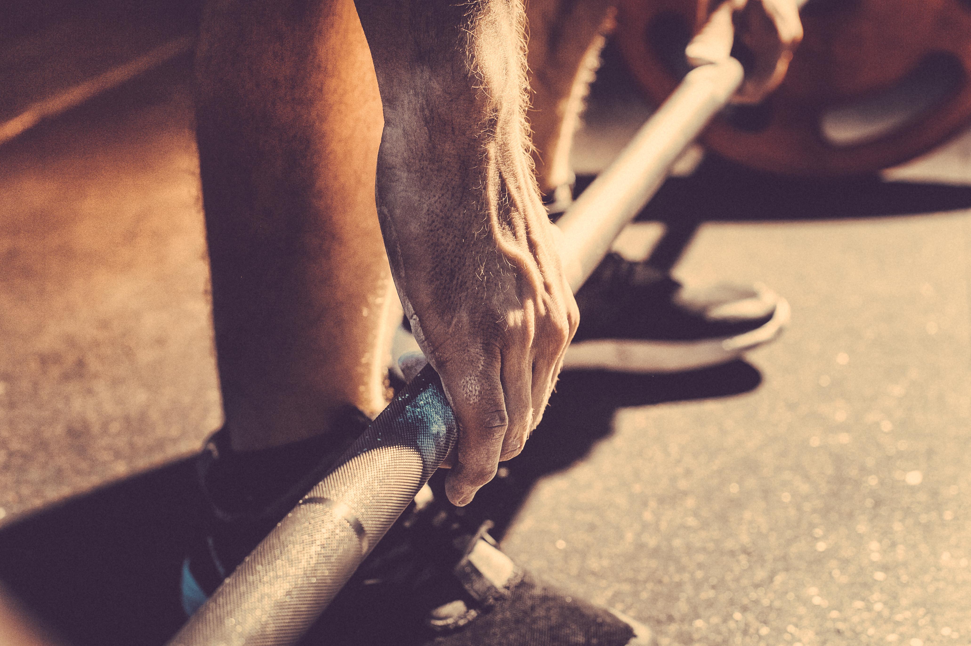 Mann beim Powerlifting | Dein Personal Trainer Berlin